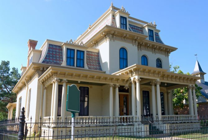 Painting Historic Homes